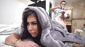 Blindfolded stepmom fucks hot black young cutie with double penetration