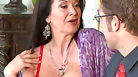 Hot MILF Got Her Pussy getting Fucked By Sales Agent in Her House